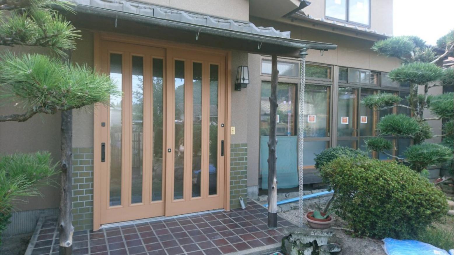 シーエス建材トーヨー住器の玄関引戸、窓改修工事の施工事例写真