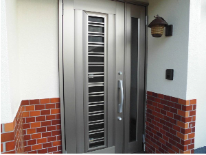 シーエス建材トーヨー住器の一日で終わる玄関交換工事の施工事例写真