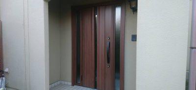 施工事例:明るい玄関ドア リフォーム工事