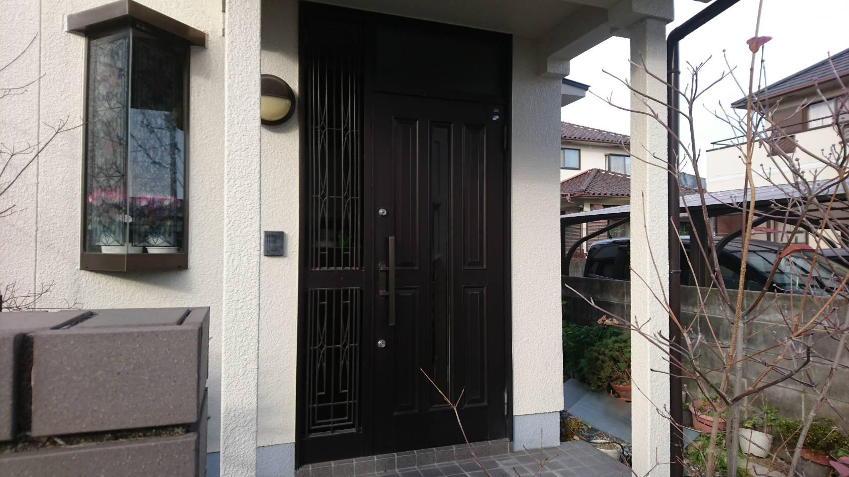 シーエス建材トーヨー住器の令和 大人気 改装リフォームドアの施工前の写真1