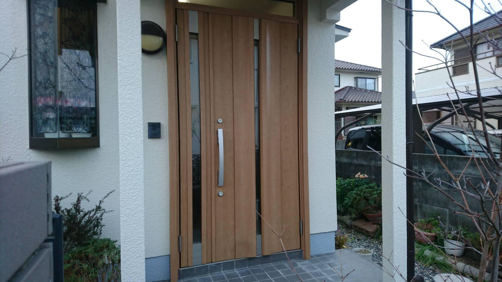 シーエス建材トーヨー住器の令和 大人気 改装リフォームドアの施工事例写真