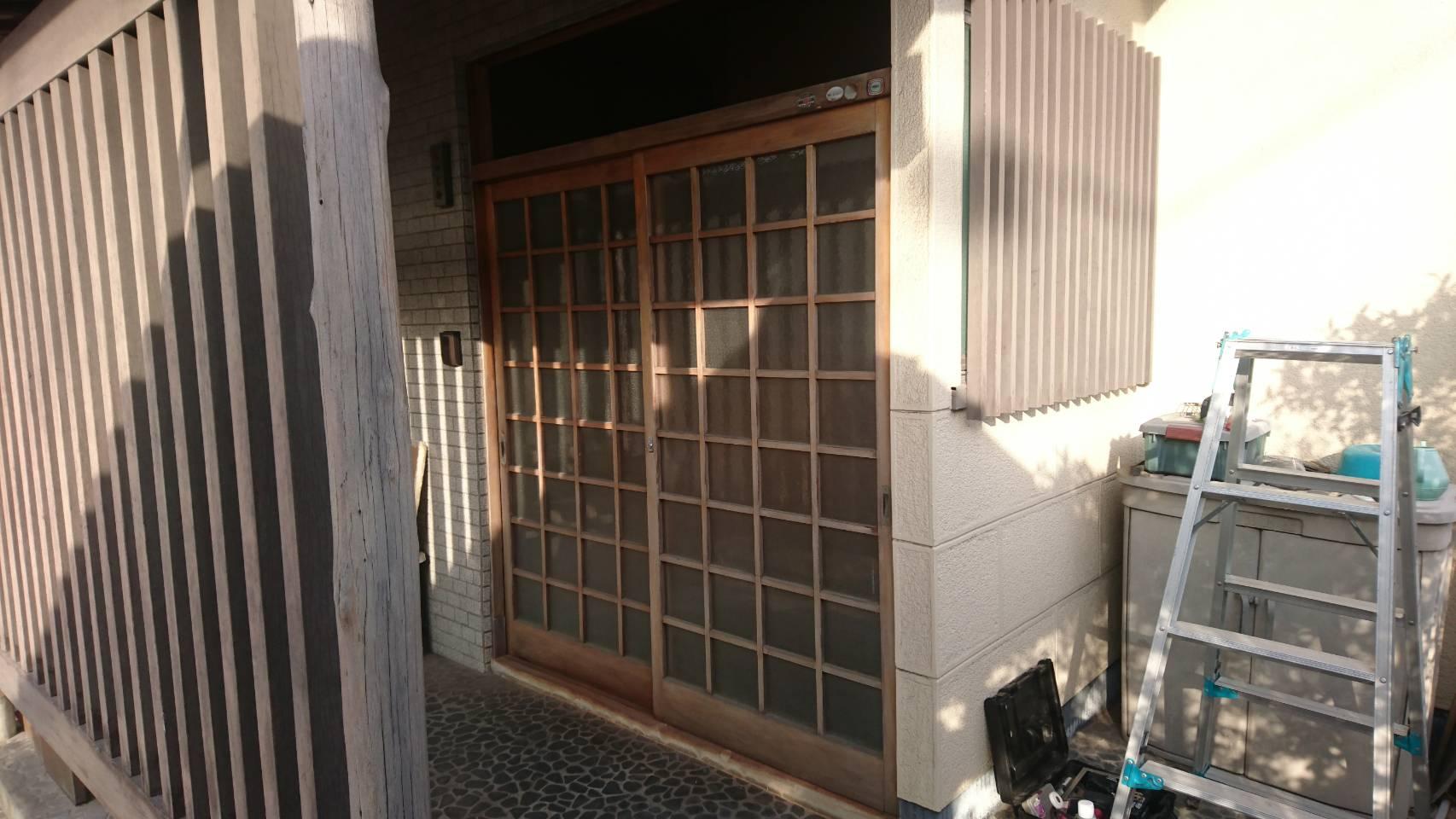 シーエス建材トーヨー住器の引戸交換工事 LIXIL リシェントの施工前の写真1
