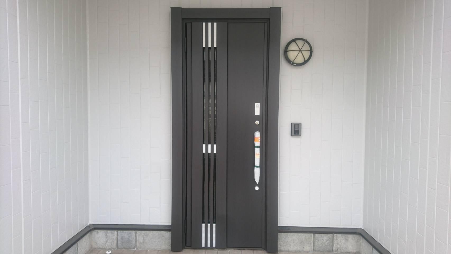 シーエス建材トーヨー住器の玄関ドア リシェント 交換工事の施工事例写真
