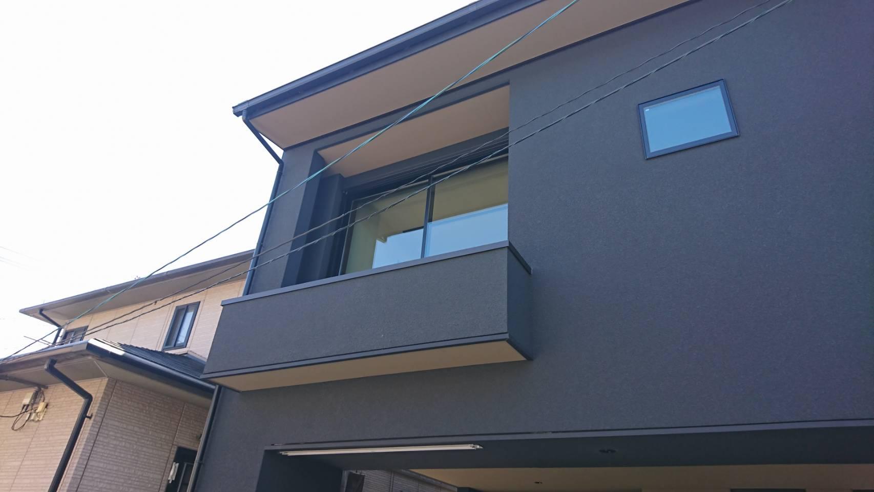 シーエス建材トーヨー住器の岡山市 コートライン工事 縦格子の施工前の写真2
