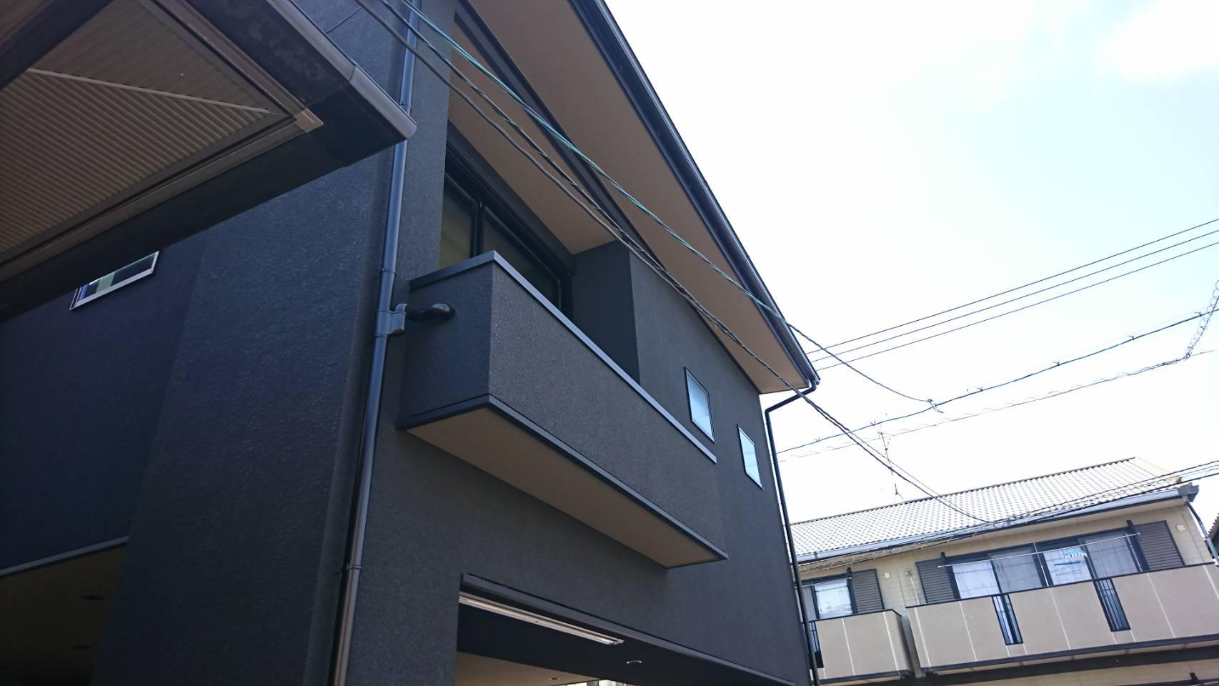 シーエス建材トーヨー住器の岡山市 コートライン工事 縦格子の施工前の写真1