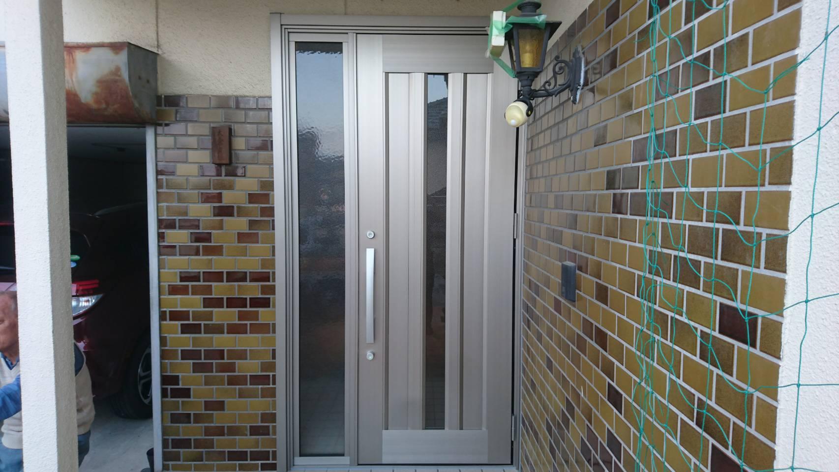 お手軽 玄関 取替えできます シーエス建材トーヨー住器の現場ブログ メイン写真