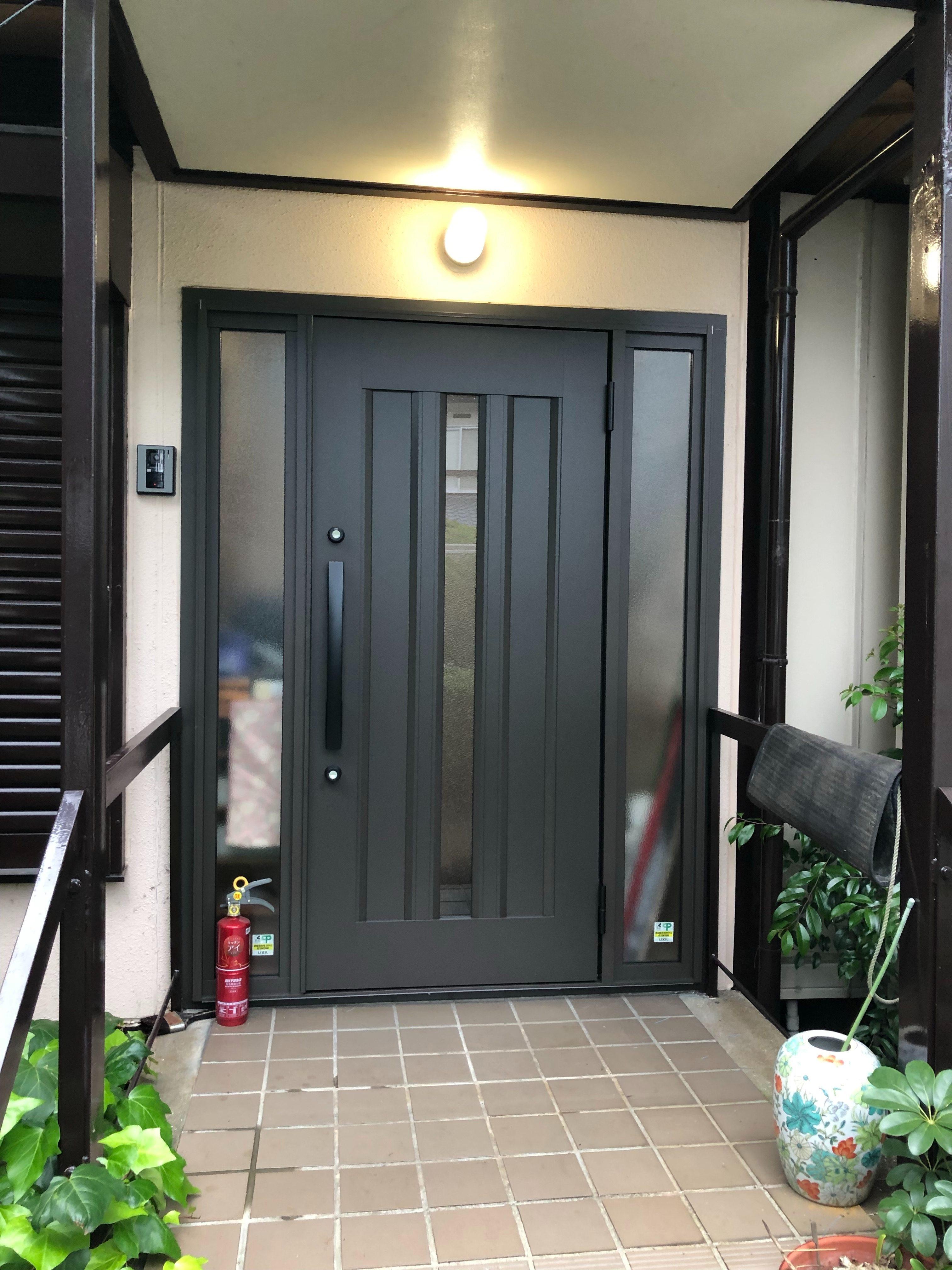 岡山市 玄関ドア 取替え工事 シーエス建材トーヨー住器のブログ メイン写真