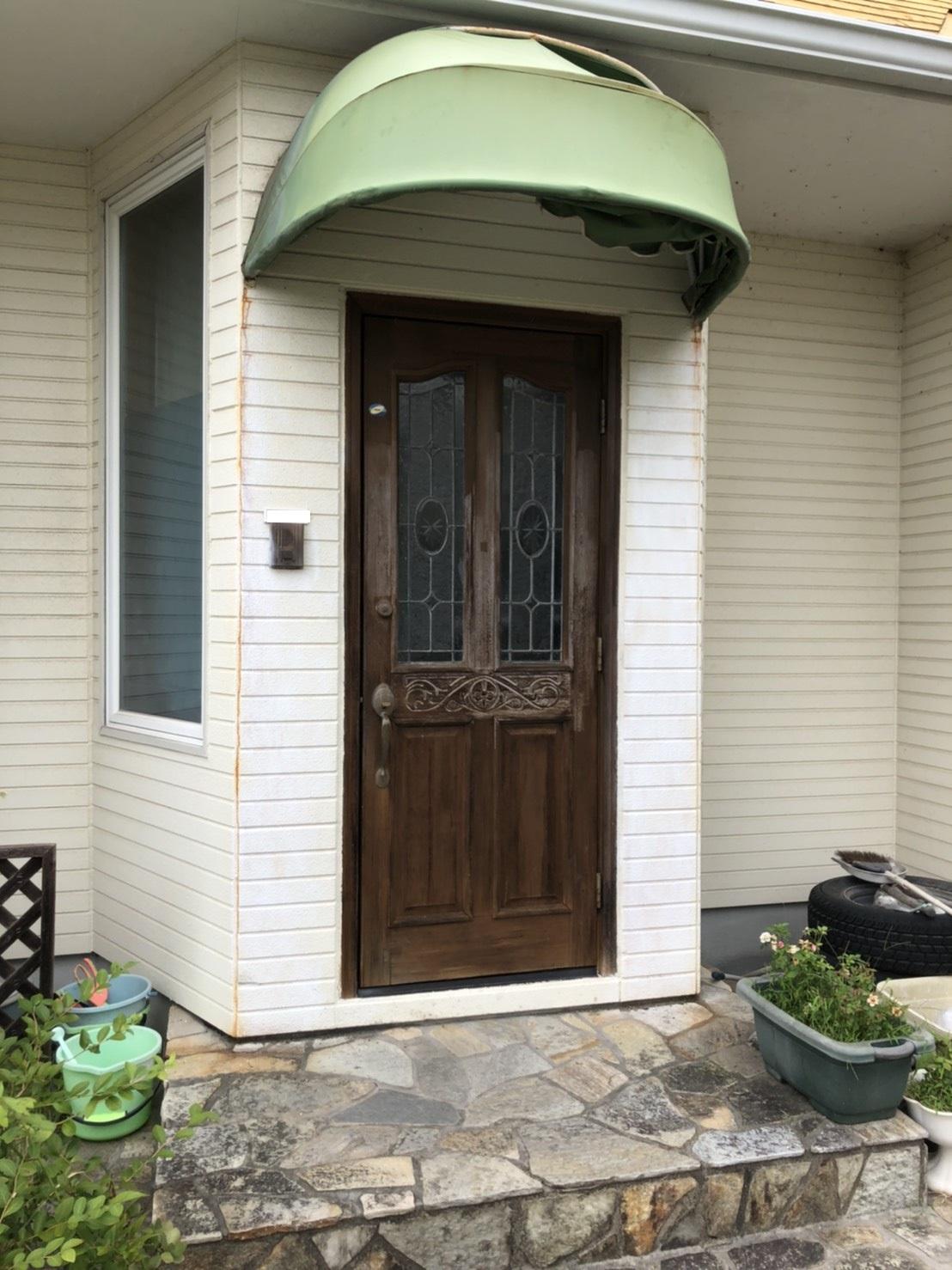 シーエス建材トーヨー住器の赤磐市 玄関ドア交換 リフォームの施工前の写真1